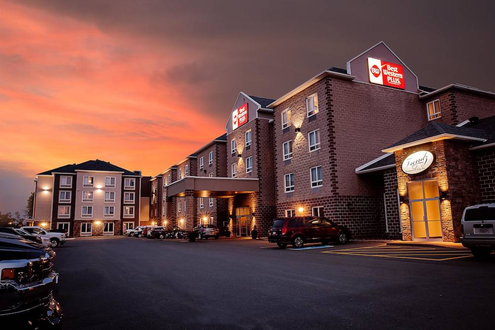 Best Western Plus Dartmouth Hotel & Suites